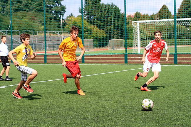 Летний футбольный лагерь с английским языком