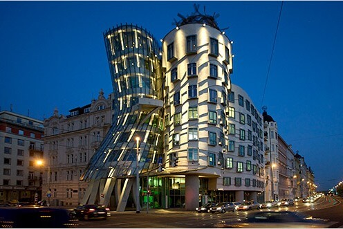 2013-12-18_05_dancing-house-prague-czech-republic