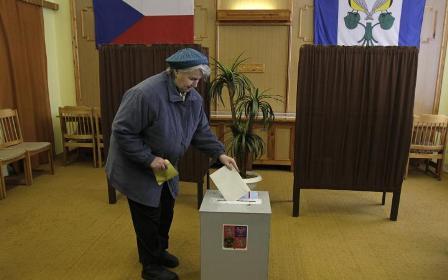 cekijos-rinkimuose-grumiasi-ekskomunistas-ir-pankas-kunigaikstis