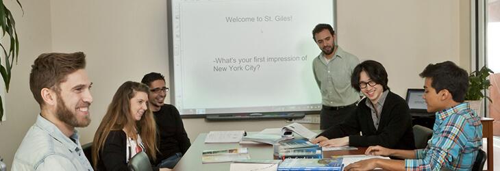 студенты во время занятий msmstudy