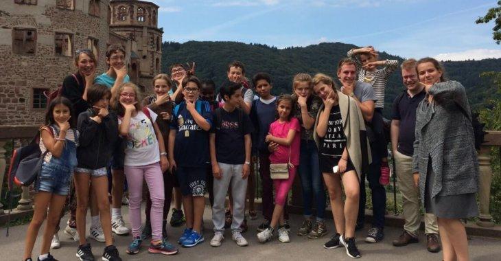 ребята в германии на общем фото msmstudy