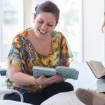 девушки читают msmstudy