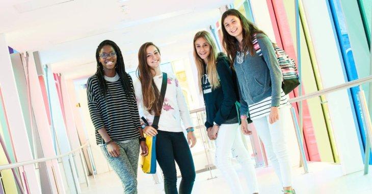 девочки в лагере msmstudy
