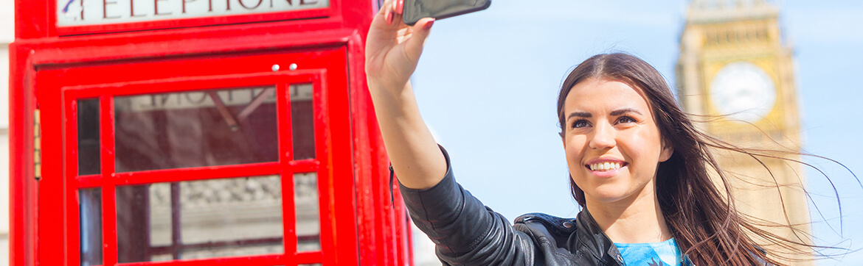 Девушка делает селфи в лондоне msmstudy
