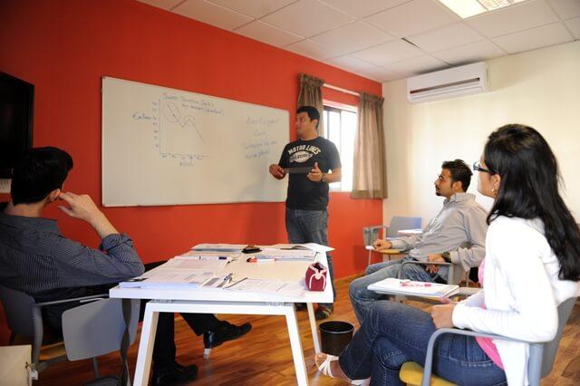 Студенты языковой школы Клабклас в Лондоне msmstudy