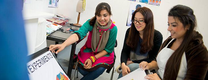 Девушки на презентации msmstudy