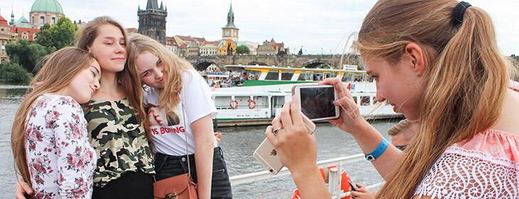 Студенты на набережной Дрездена msmstudy