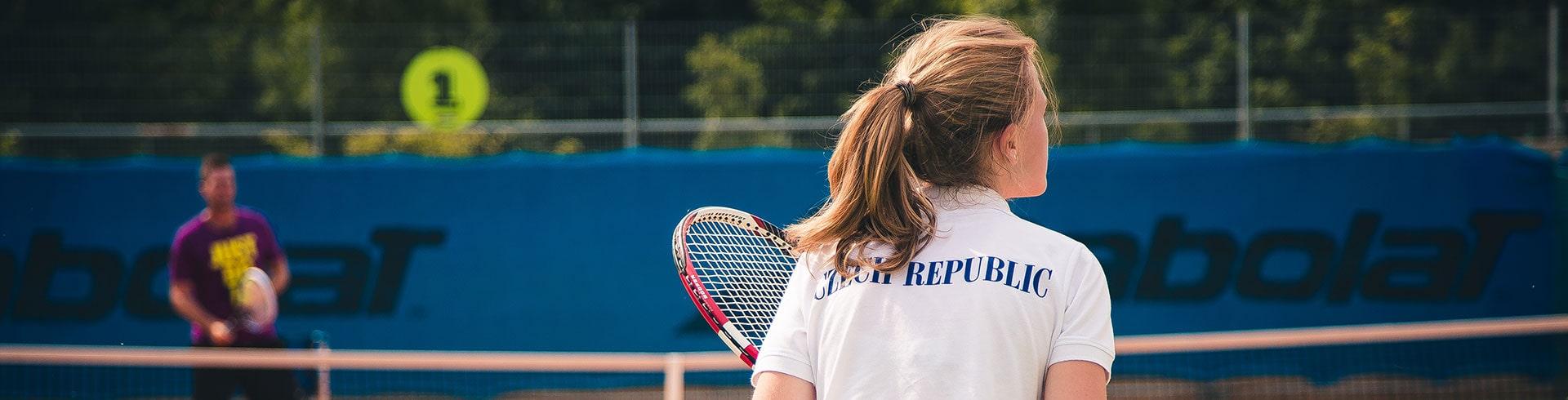 девушка теннис в Праге msmstudy